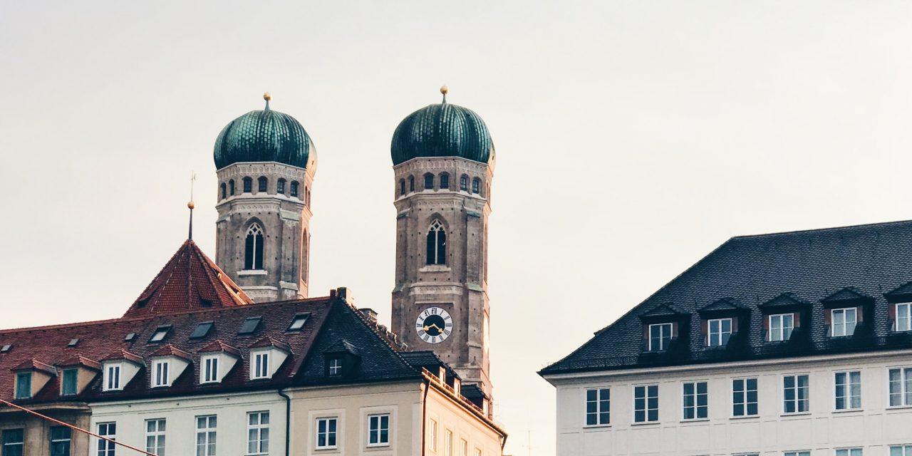 LIVE dabei auf der LOCA in München !
