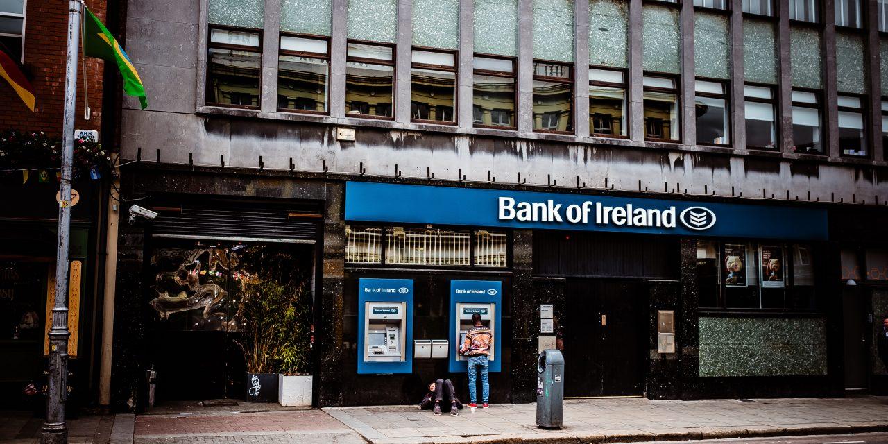 Bankfiliale mit Service und Beratung ?