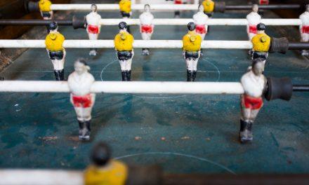 Unglaublich: KI sagt Tore im Fussball voraus – was machen Finanzdienstleister ?